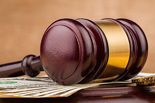 Bristol-Myers Squibb Co và Quỹ Rockefeller phải đối mặt với vụ kiện trị giá 1 tỷ đô la