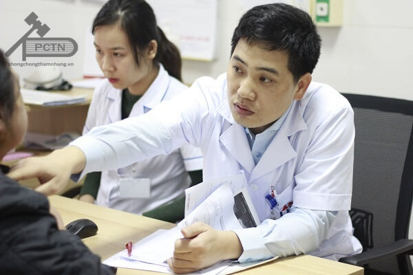 Bác sỹ Thân Văn Thịnh, người trực tiếp khám cho Linh