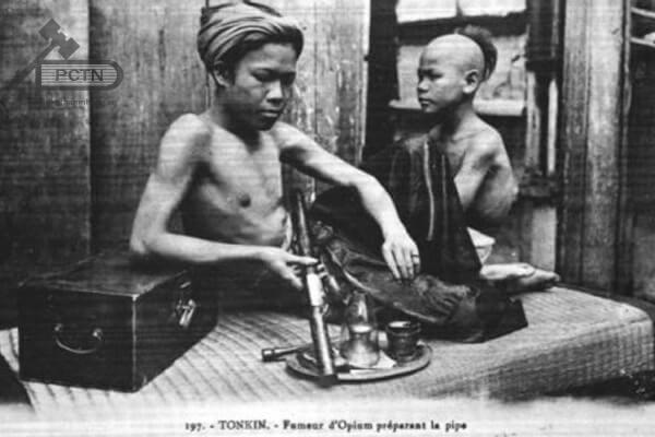 Những người Đông Á nghiện ngập
