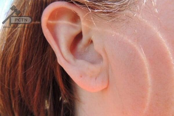 Ngứa tai không rõ nguyên nhân