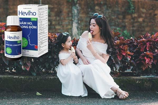 Mẹ và bé ăn kem không lo viêm họng khi dùng Siro Heviho