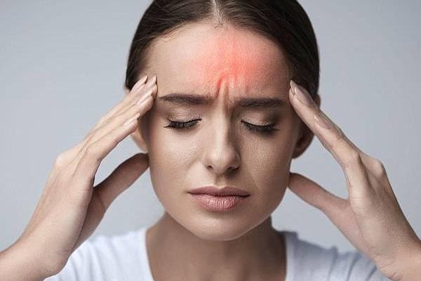 Paracetamol 500mg có tác dụng giảm đau, hạ sốt.