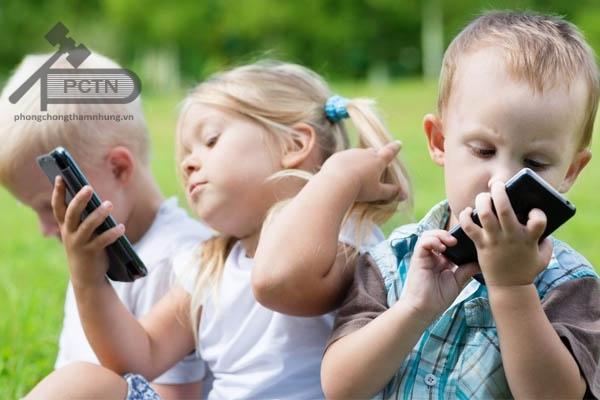 Chống chỉ định sử dụng Clindamycin cho trẻ em dưới 1 tuổi