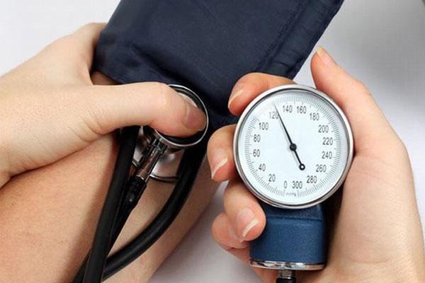 Demoferidon có thể gây hạ huyết áp