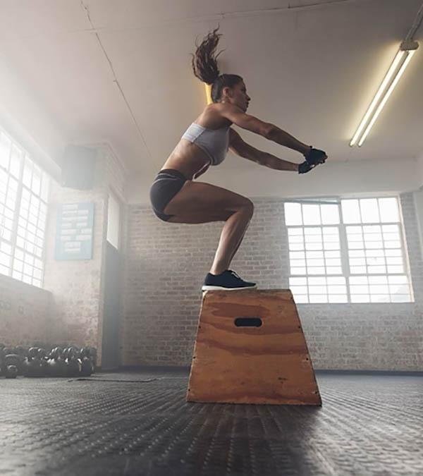Jump Squat nhảy lên bục cao