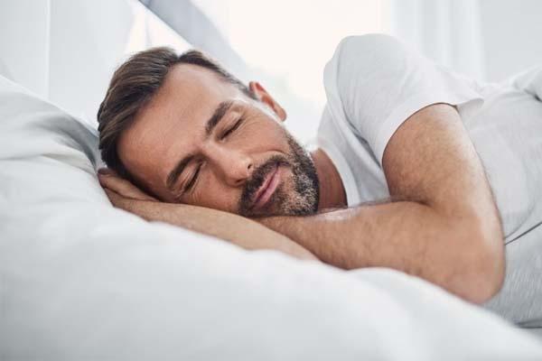 Ngủ đủ giấc để tránh tích mỡ bụng