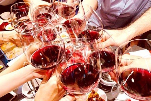 Uống rượu ảnh hưởng đến khả năng quan hệ tình dục